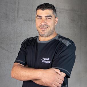 Amar Ahmad - Montaż kół i zestawów kołowych w proroll
